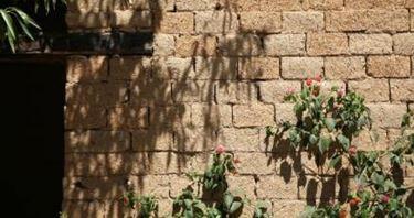 Strutture e murature terra cruda antisismica