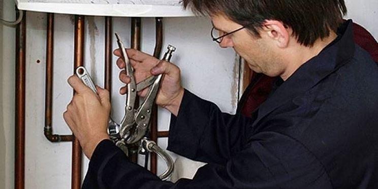 installazione di una caldaia