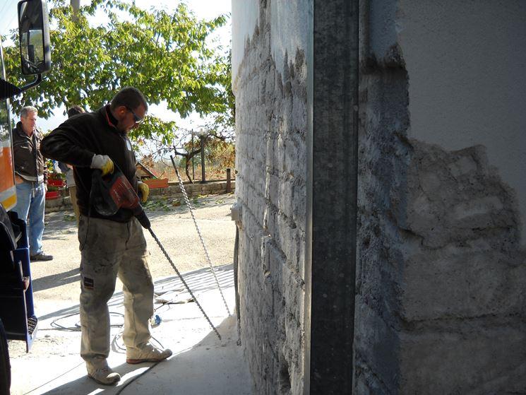 lavori per consolidare fondazione