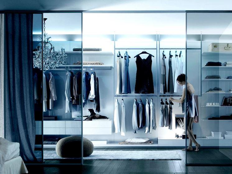 esempio di cabina armadio moderna