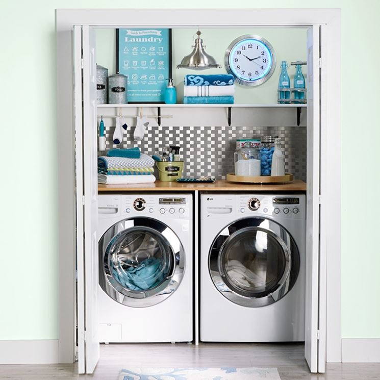 esempio di ripostiglio lavanderia