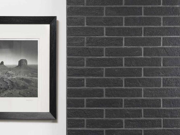 Pavimenti e rivestimenti rondine rivestimenti for Piastrelle effetto mattone