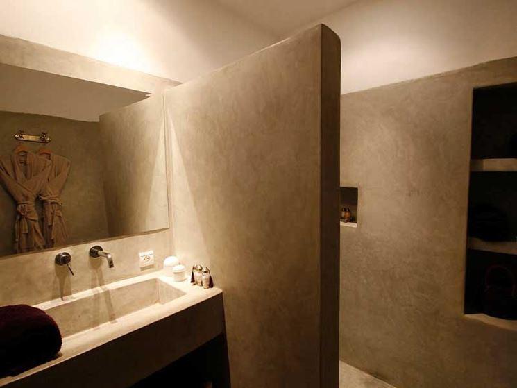 Coprire piastrelle bagno resina. panca terrazza decorazione resina