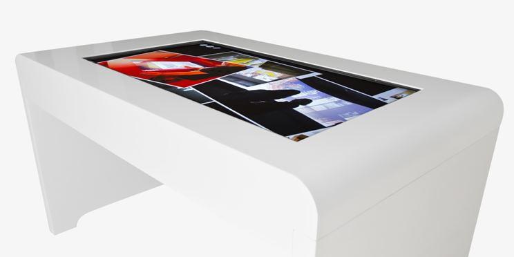 tavolo con piano lcd