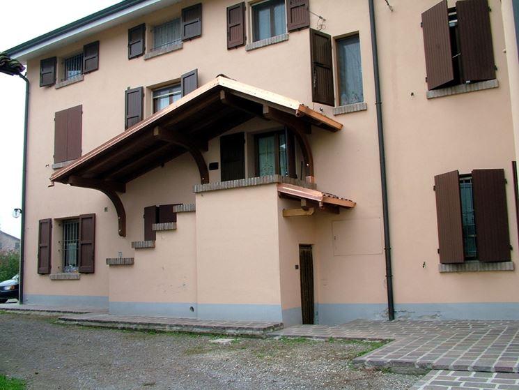 Chiusura scale esterne scale scale esterne chiusura for Planimetrie delle case con struttura in metallo