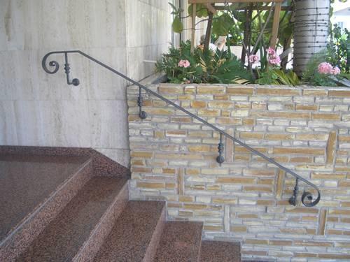 Passamani per scale scale - Scale per giardini ...
