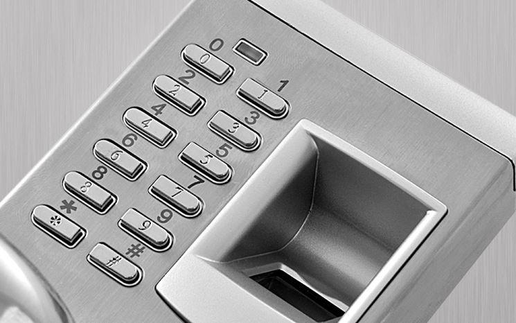 serratura con apertura biometrica