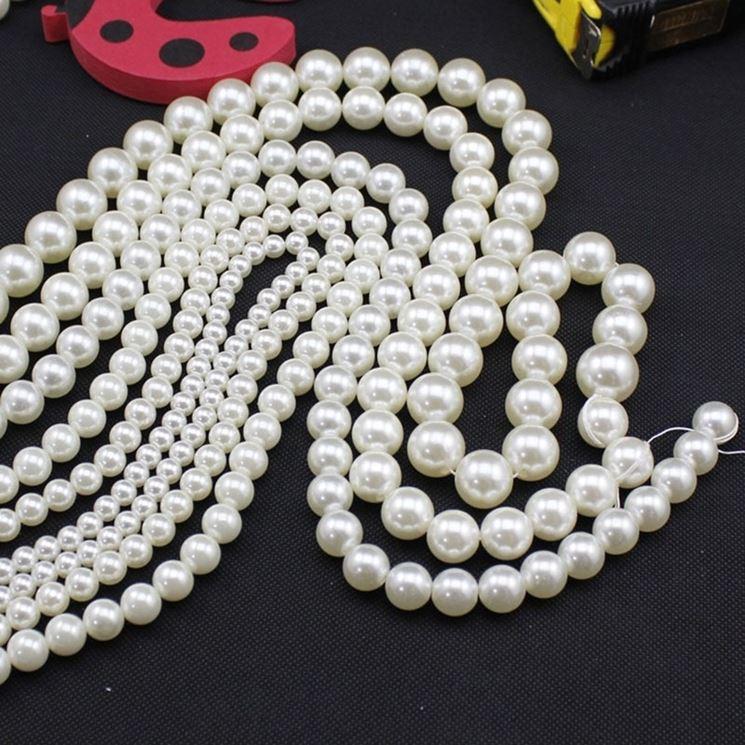 collana di perle con nodini