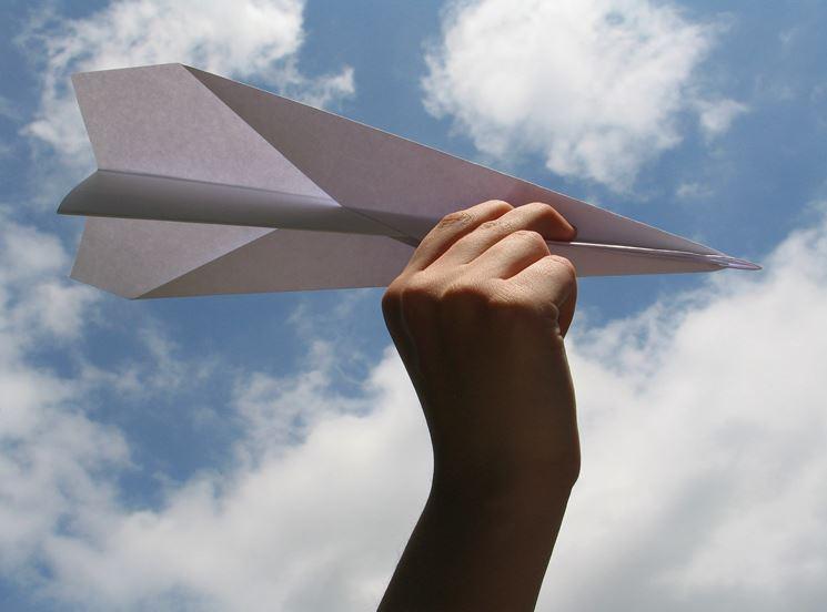 costruire aereo di carta