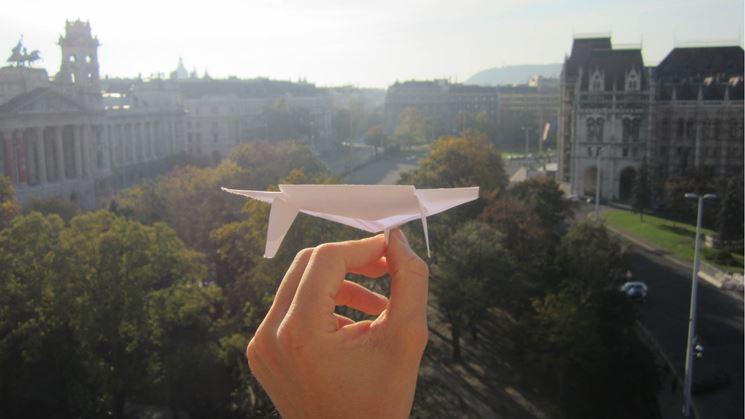 modello di aereo di carta