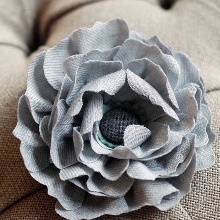 Creare fiori di stoffa