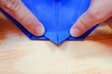fare aereo di carta