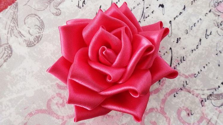 creare rosa di raso