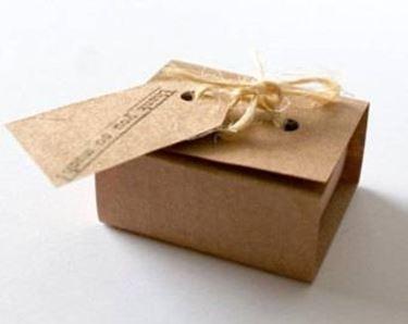 Come fare una scatola rustica da bomboniera bricolage for Scatole fai da te