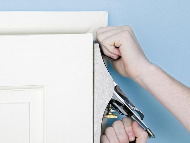 Come riparare una porta bricolage tecniche per riparare una porta