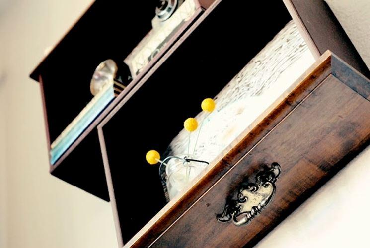 mensole con cassetti