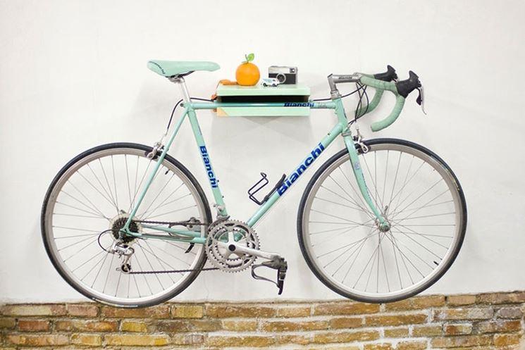 porta bicicletta a mensola