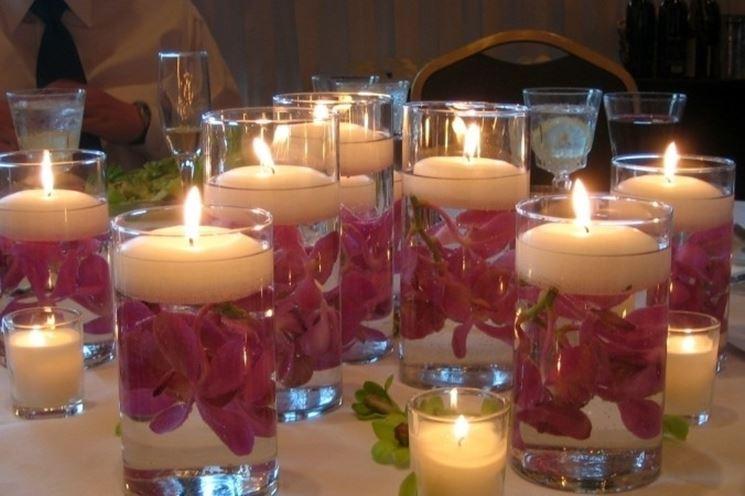 decorazioni con candele galleggianti