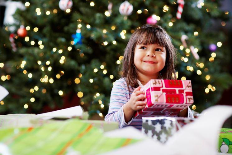 regali per bambini e anziani a natale