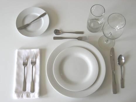 Come apparecchiare la tavola consigli pratici - Apparecchiare la tavola bicchieri ...