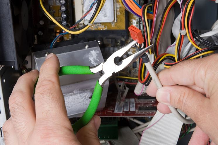 lavori su impianti elettrici