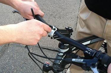regolazione manubrio bici