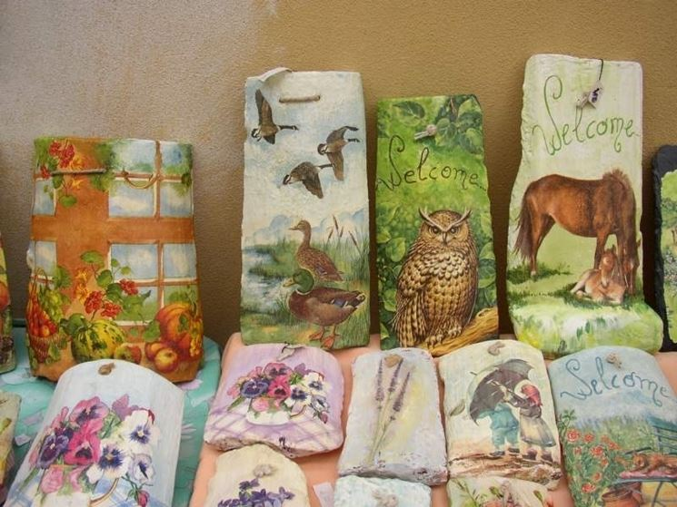 Decorare le tegole decoupage come eseguire decorazione - Coppi decorati in rilievo ...