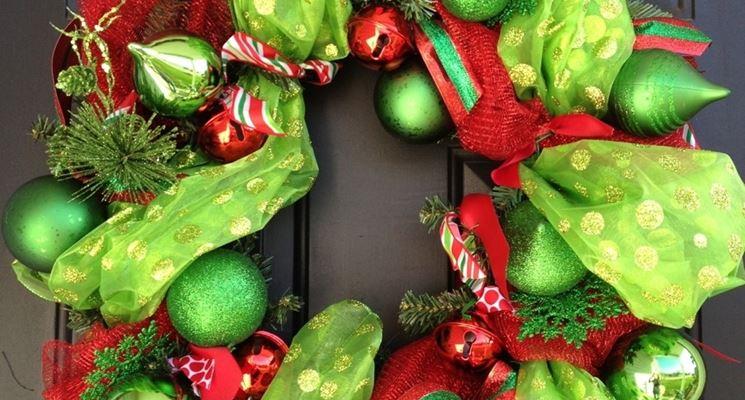 ghirlanda natalizia con stoffa