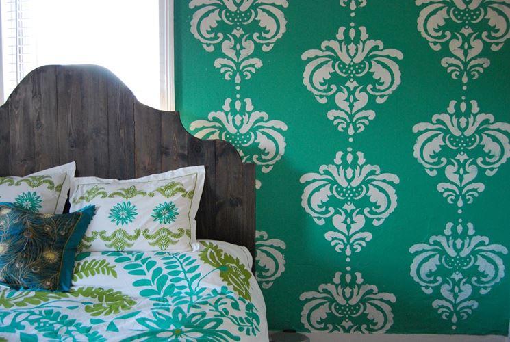 Stencil camera da letto decoupage decorare la camera - Decori camera da letto ...