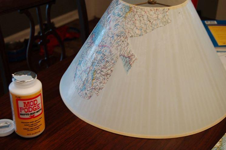 fare decoupage su lampada