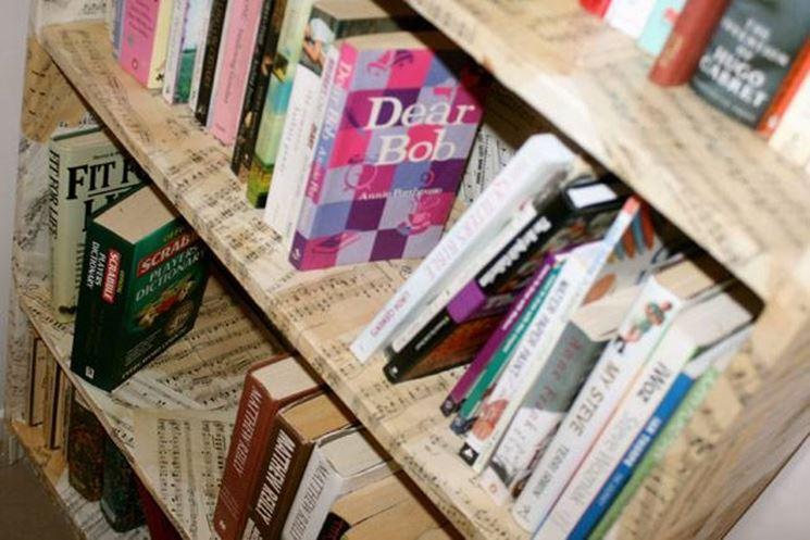 decoupage su libreria