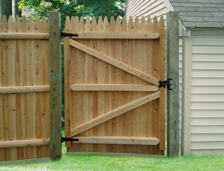 esempio di cancello in legno