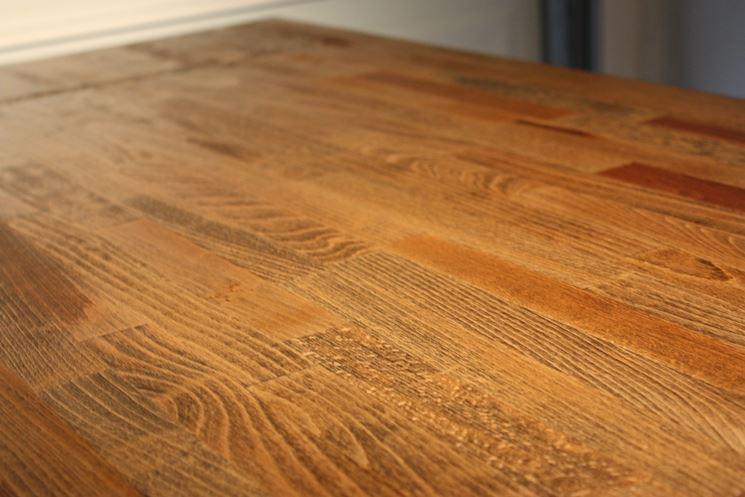 rifiniture finali tavolo in legno