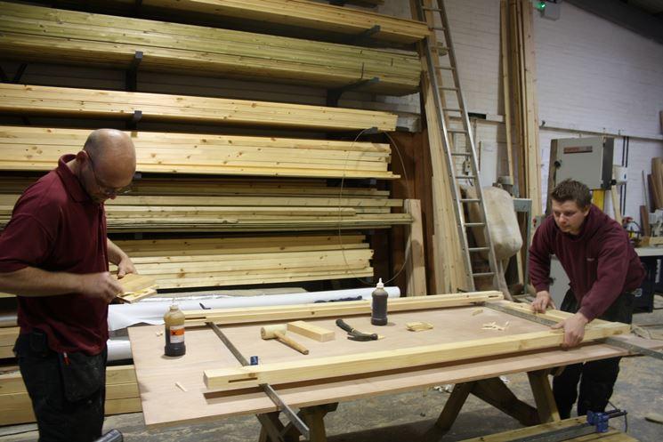 fare una porta in legno
