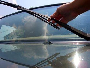 sostituzione spazzola auto