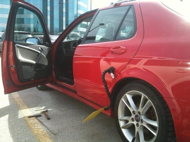 riparare ammaccature carrozzeria