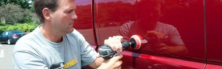 riparare ammaccatura carrozzeria