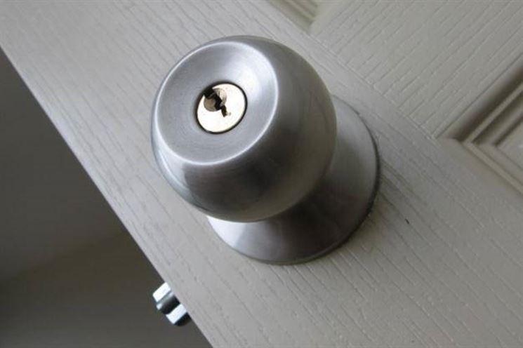 cambiare una serratura