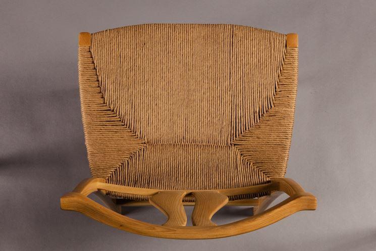 Restauro su sedia impagliata<p />