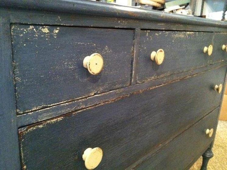 cassettiera da restaurare