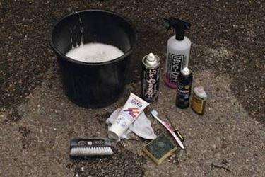 materiali per pulizia bici