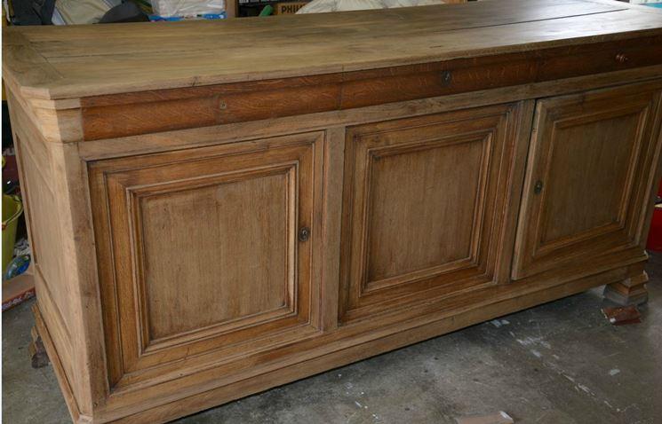 Restaurare un mobile antico manutenzione consigli per for Dipingere mobili laminato