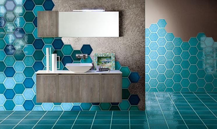 esempio di bagno rivestito con cerasarda