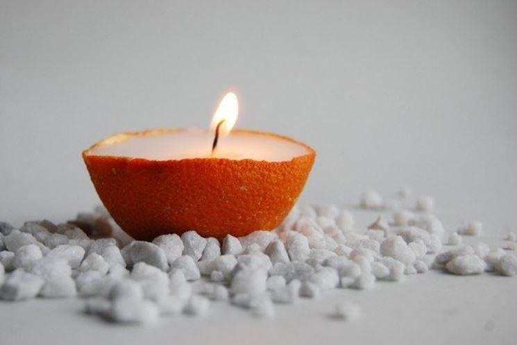 candele in buccia d'arancia