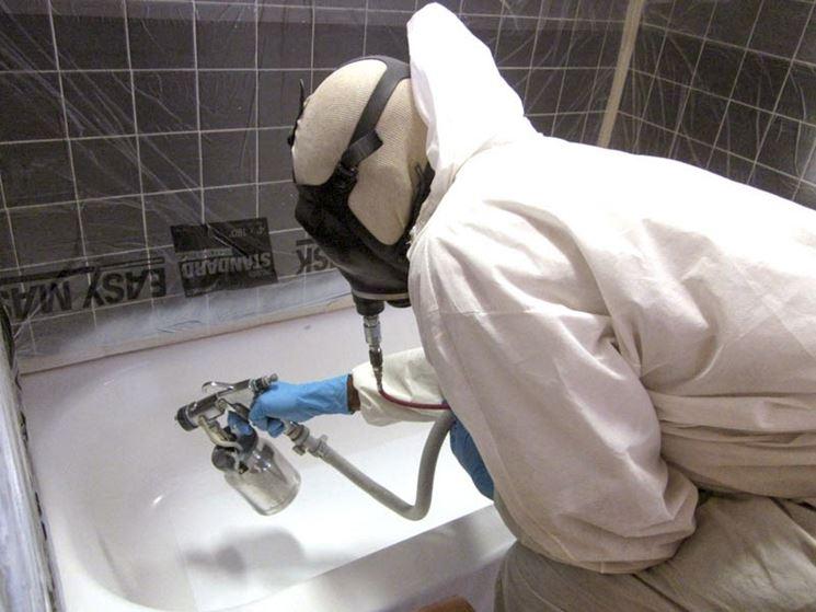 Vasca Da Bagno Smalto Rovinato : Come rinnovare lo smalto di una vasca da bagno tecniche
