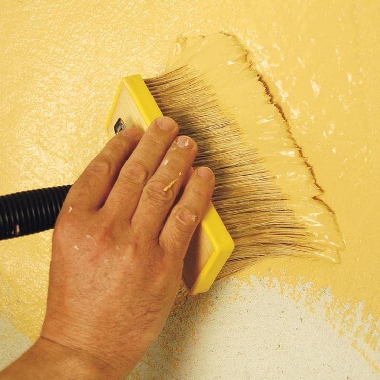 stendere pittura antimuffa