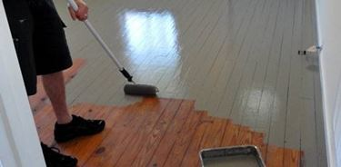 dipingere una superficie legnosa sverniciata