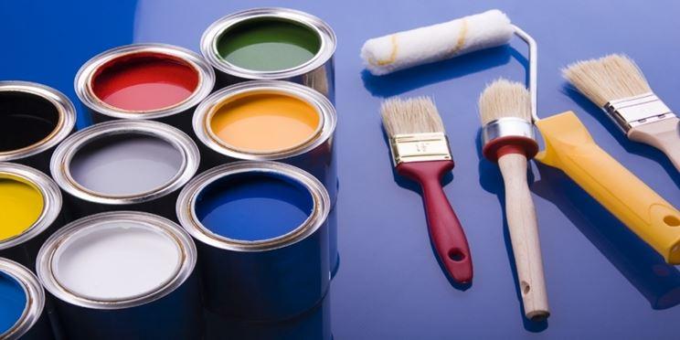 Rullo per pittura e attrezzi per dipingere