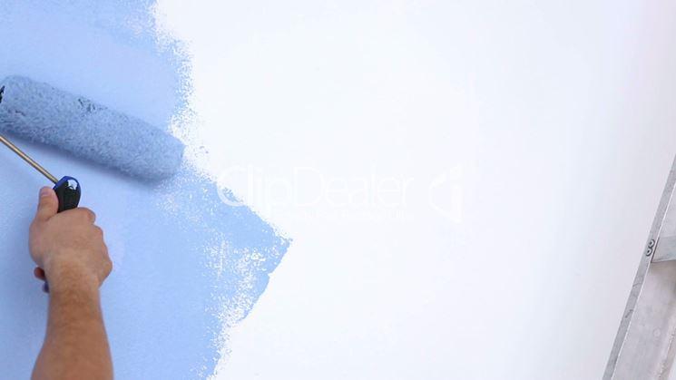 pitturare con rullo