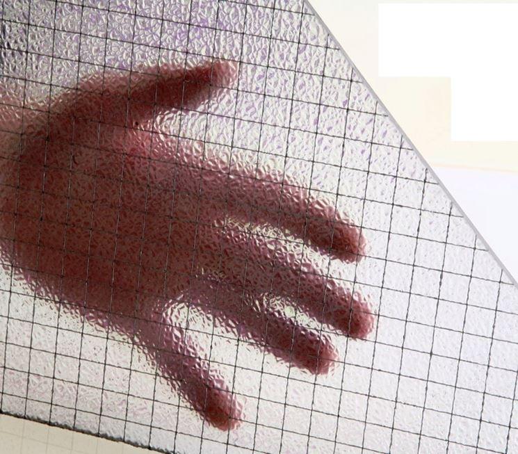 Come è formato il vetro retinato